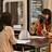 ▲仕事内容を説明する求人者�と話を聞く求職者�