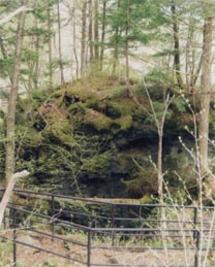 白骨温泉噴湯丘・球状石灰石