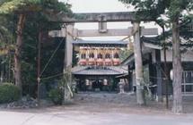 貞享義民社は多田家の祭神として貞享騒動50年目の亨保20年に建設された。例祭は春・秋2回行われている。